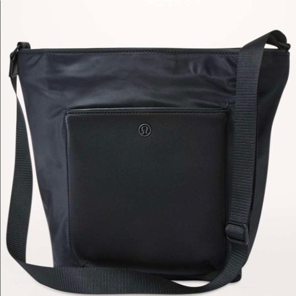 bc0015d8 lululemon athletica Bags | Lululemon All Set Bucket Bag Nwt Black ...